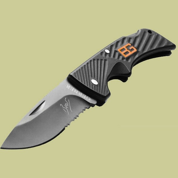 Bear Grylls Compact Scout Knife