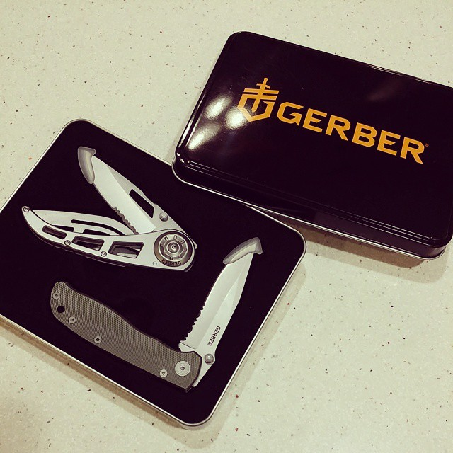 $91 worth of Gerber for $24.99. This is the Gerber Harsey Air Ranger / Ripstop II knife set. It comes in this nice tin presentation box. If you bought both of these knives individually from the manufacturer website they would cost you $91 together. We only have 96 sets of these in stock so get yours while they last! GERBER-TOOLS.COM/ARR knives knifecommunity GerberKnives knife knifefanatic outdoors camping