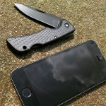 This 31-003040 US1 folding knife by Gerber is hot off the press. It is made with American Steel and is thin & Lightweight for everyday carry. Here it is beside a iPhone 5S just to show how this Gerber can go with you anywhere