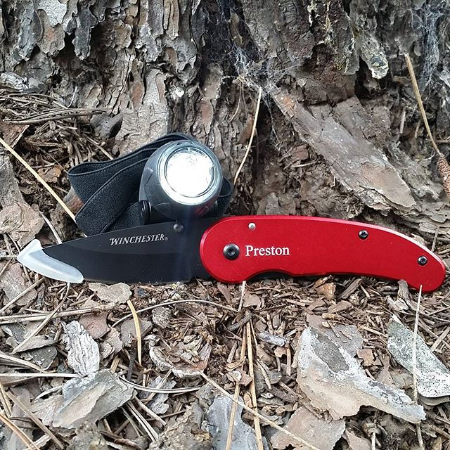Headlamp and engraved Winchester knife combo for just $22! Who said gift giving can't be affordable?  #ledlights #winchester #knives #christmas #christmasgifts #engraving