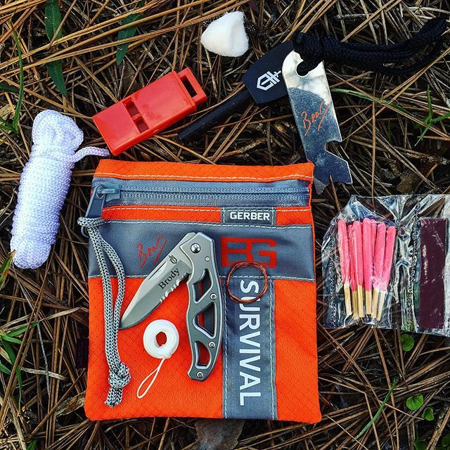 Gerber Bear Grylls Basic Kit 31-000700. Designed for survival, this item is perfect for any camping or hiking trip. Get yours with personalized engraving at Gerber-tools.com today! #gerber #bear #grylls #basic #kit #personalized #engraving #31-000700